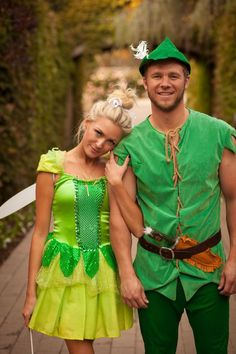 Couples costumes ideas for Halloween - Peter Pan and Tinkerbell