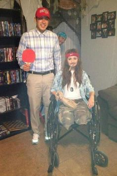 Halloween costume ideas for couples - Forrest Gump and Lieuntenant Dan